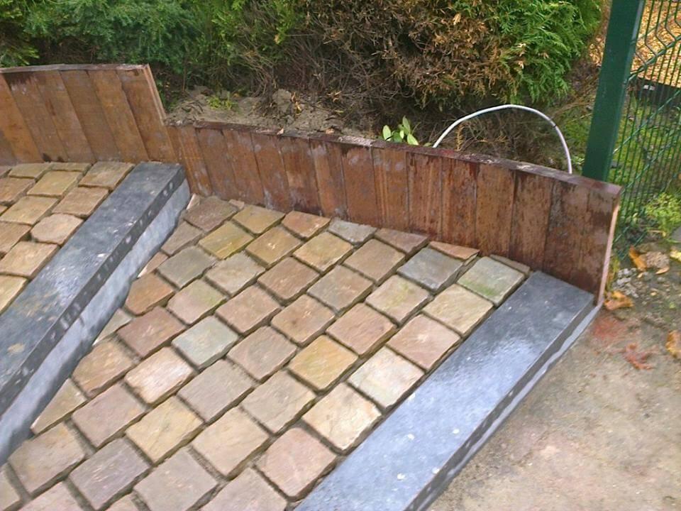 Am nagement terrasse et escaliers de jardin jardinier for Amenagement jardin en escalier